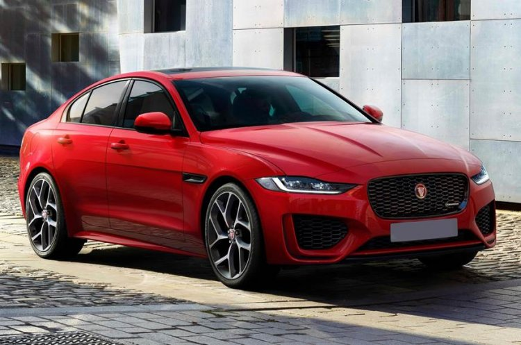 Jaguar Xe Facelift Front Quarters