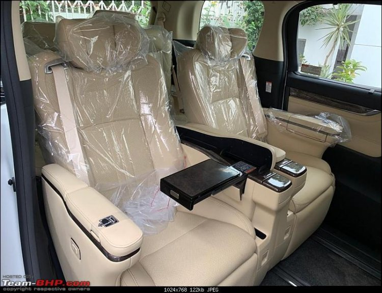 Toyota Vellfire Luxury Mpv Seats 2
