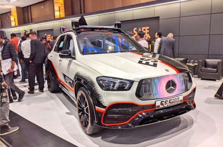 Mercedes Benz Esf 2019 Front Quarters