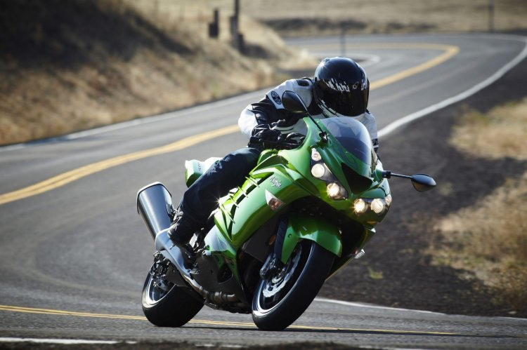 Kawasaki Zx 14r Front Three Quarter Motion