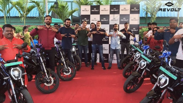 Revolt Motors Start Deliveries In Pune