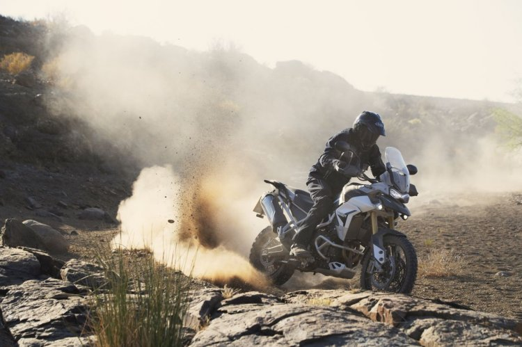 2020 Triumph Tiger 900 Rally Pro Action Off Roadin