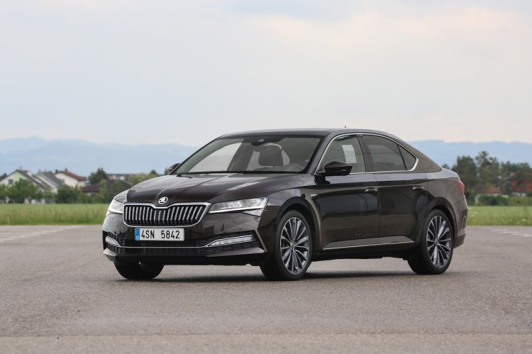 New Skoda Superb Facelift Front Three Quarters