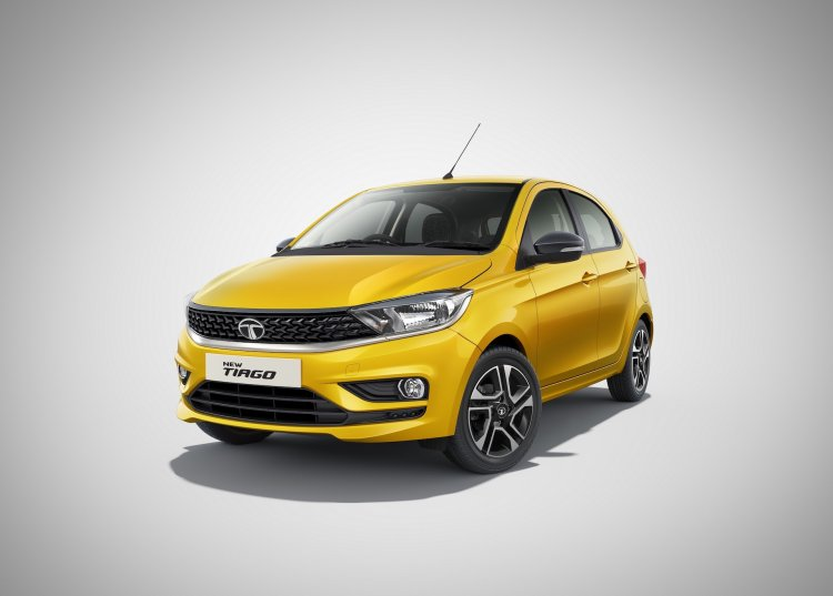 2020 Tata Tiago Facelift Yellow Front Three Quarte