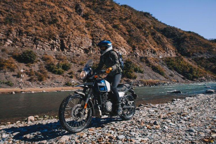 Bs Vi Royal Enfield Himalayan Lake Blue Outdoor 1