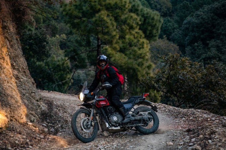 Bs Vi Royal Enfield Himalayan Rock Red Outdoor 3