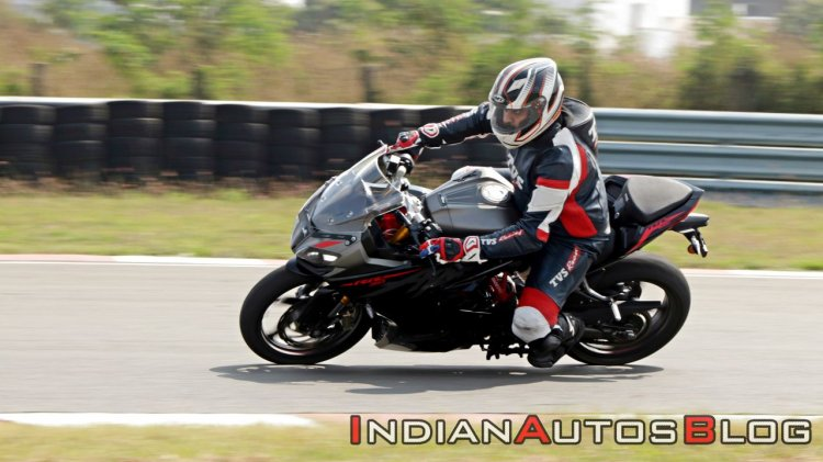 Bs Vi Tvs Apache Rr 310 Riding Shots Cornering