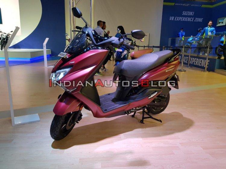 upcoming scooters in india Bs Vi Suzuki Burgman Street Red Auto Expo 2020 Lef