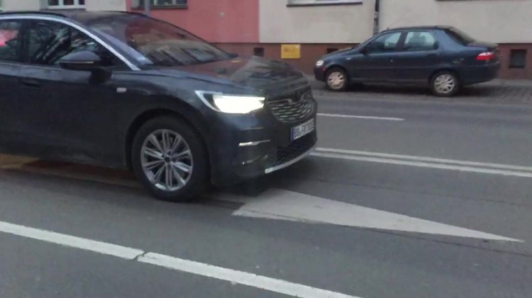 Vw Id 4 Electric Suv Front Fascia Spy Shot