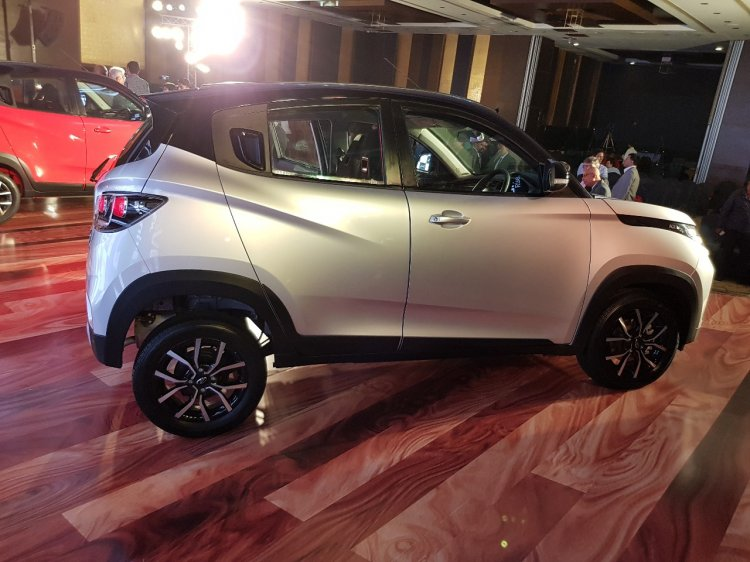 Mahindra Kuv100 Nxt Silver Black Right Side