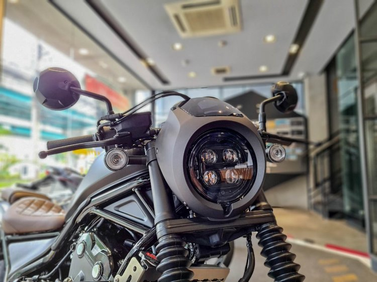 Honda Rebel 500 Bobber Supreme Edition Headlight