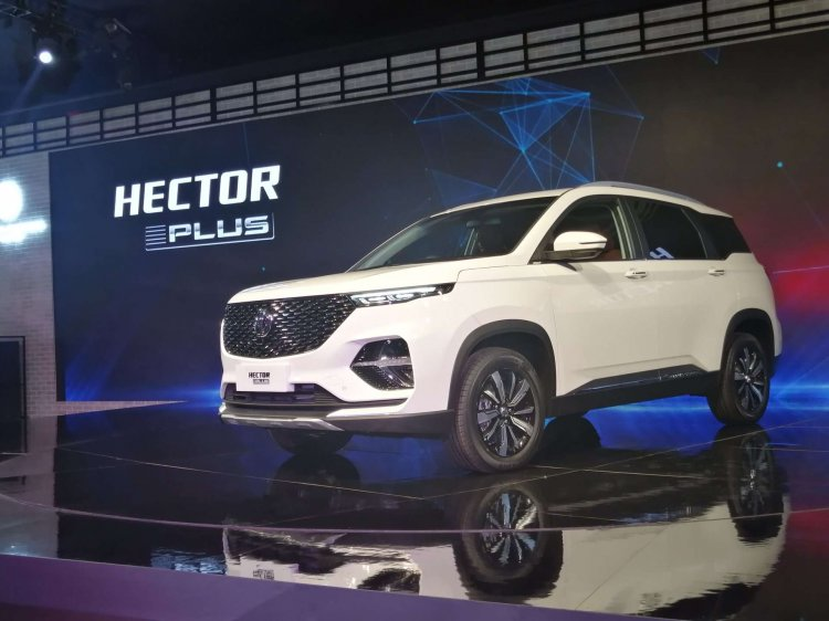 Mg Hector Plus Front Three Quarters Left Side Auto