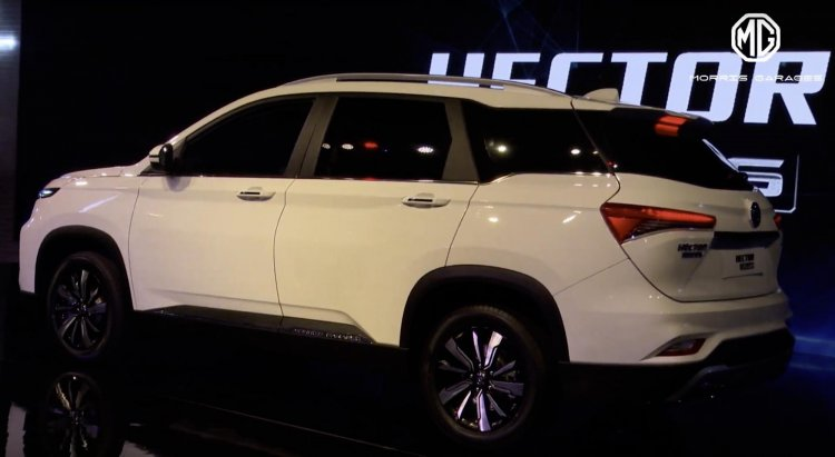 Mg Hector Plus Rear Three Quarters Auto Expo 2020