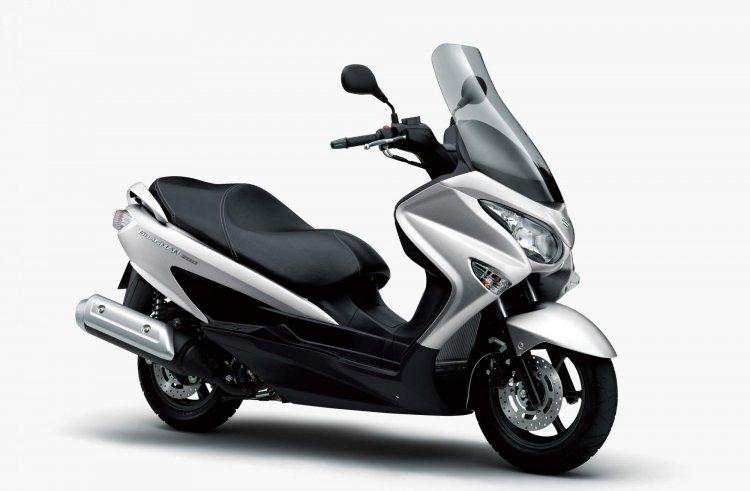 2020 Suzuki Burgman 200 Front Three Quarter
