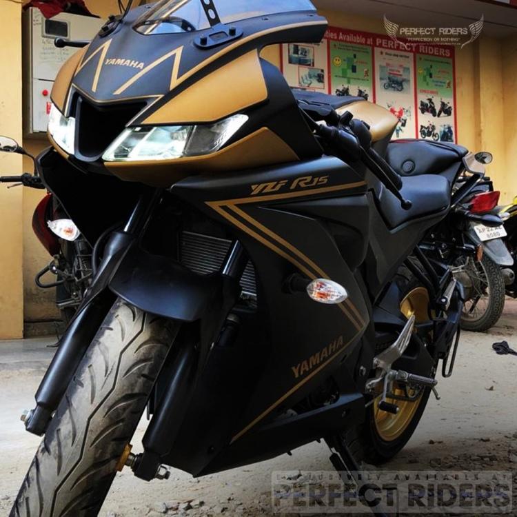 Yamaha R15 V3 0 Gold Static