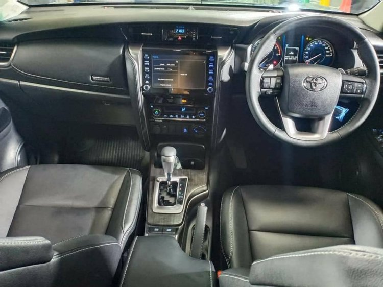 2021 Toyota Fortuner Facelift Interior Live