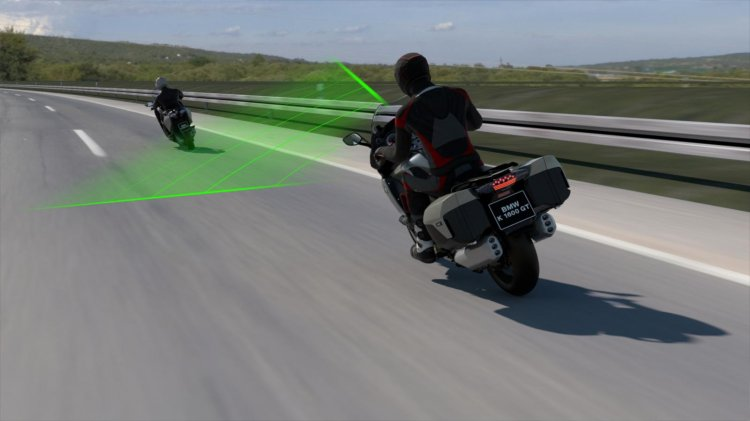 Bmw Motorrad Active Cruise Control In Operation