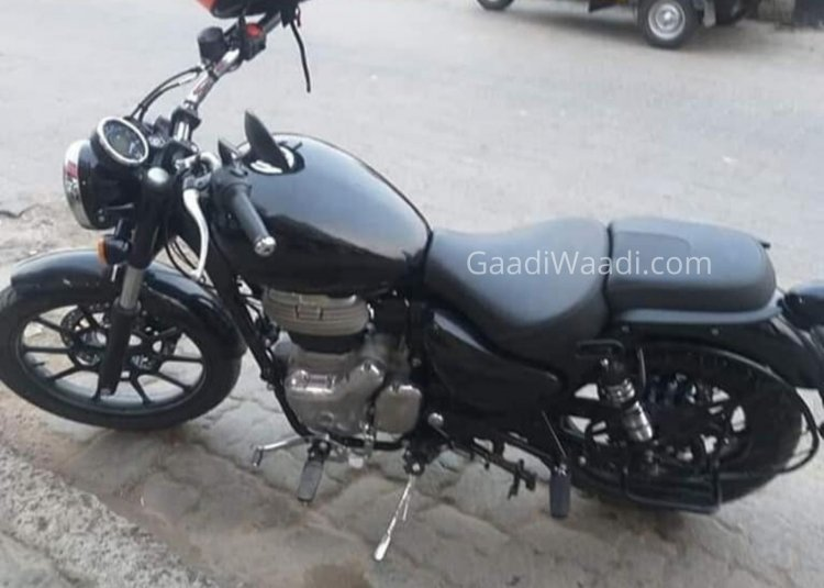 Black Royal Enfield Meteor 350 Spy Shot