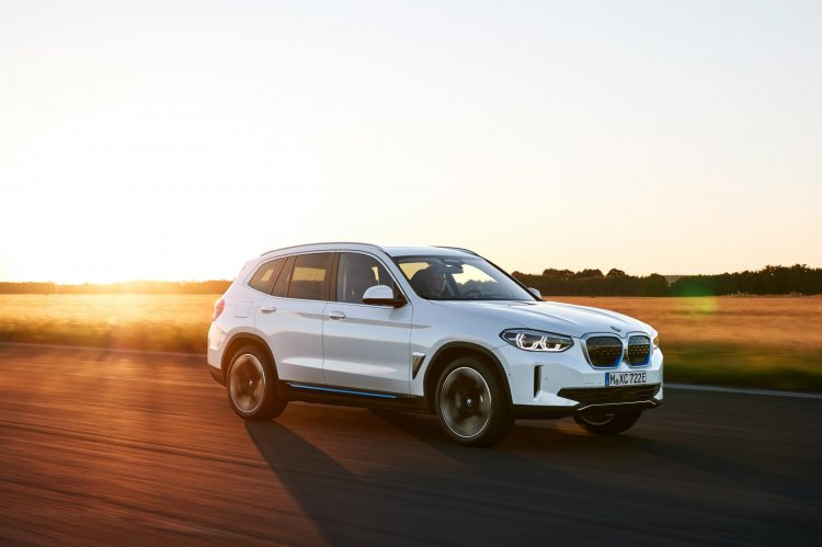 Bmw Ix3 Electric Suv Front Three Quarters Action