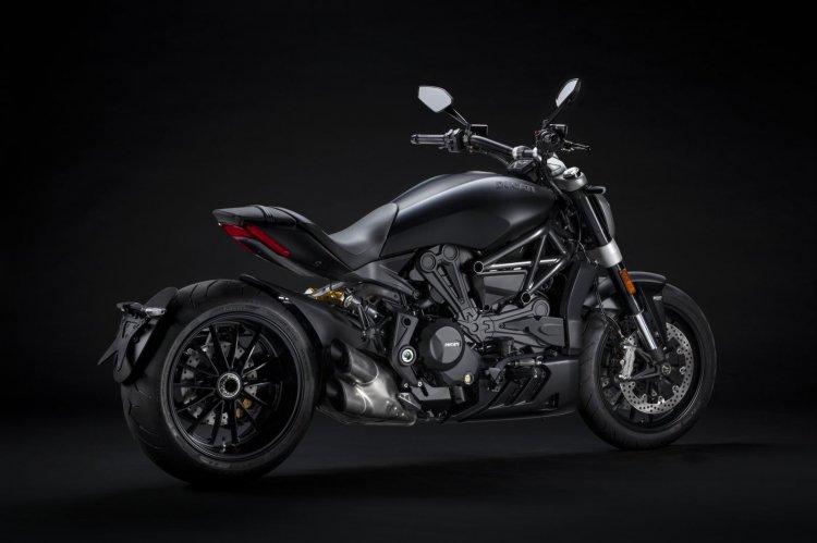2021 Ducati Xdiavel Dark Studio
