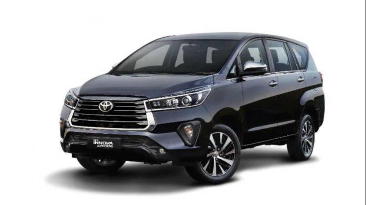 2021 Toyota Innova Crysta Front Left
