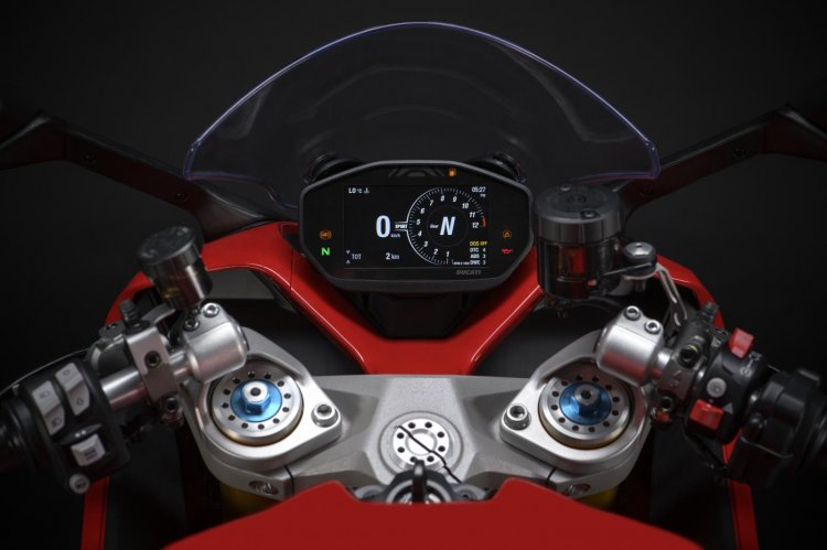 2021 Ducati Supersport 950s Cockpit
