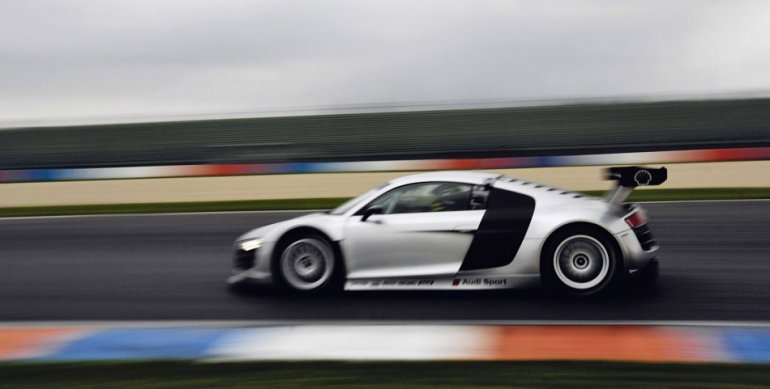 Audi R8 GT3 side