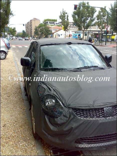 2011_Suzuki_Swift_1
