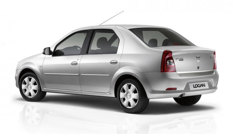 Dacia Logan side profile
