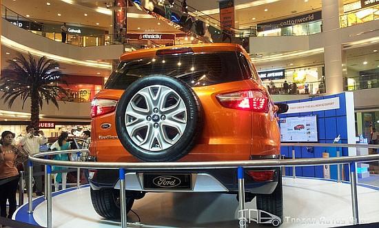 2012 Ford EcoSport rear angle Infinity Mall Mumbai
