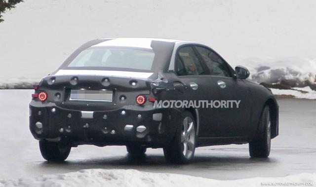 2014 mercedes benz c class rear spy-shot
