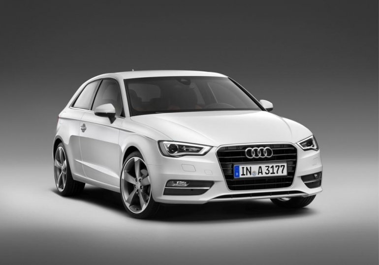 2013 Audi A3 front three quarters