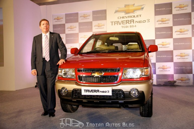 Chevrolet Tavera Neo3 with Mr Lowell Paddock, GM India's President and Managing Director