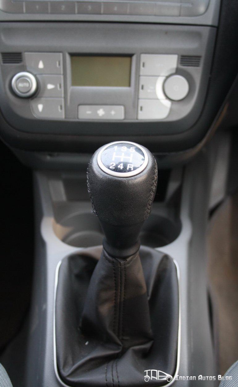 2012 Fiat Punto gear stick