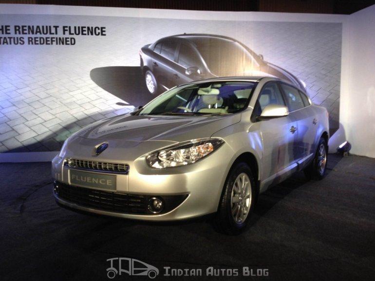 Renault Fluence E4D front three quarters