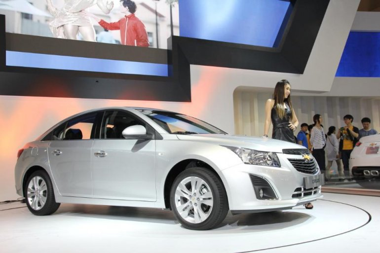 Chevrolet Cruze facelift showcased at the Busan Auto Show