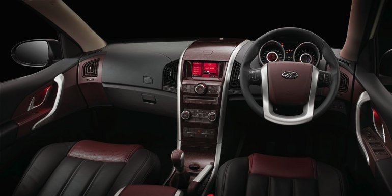Mahindra XUV500 for Australia dashboard