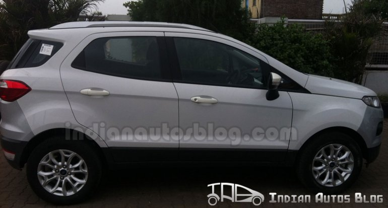 Ford EcoSport spyshot side