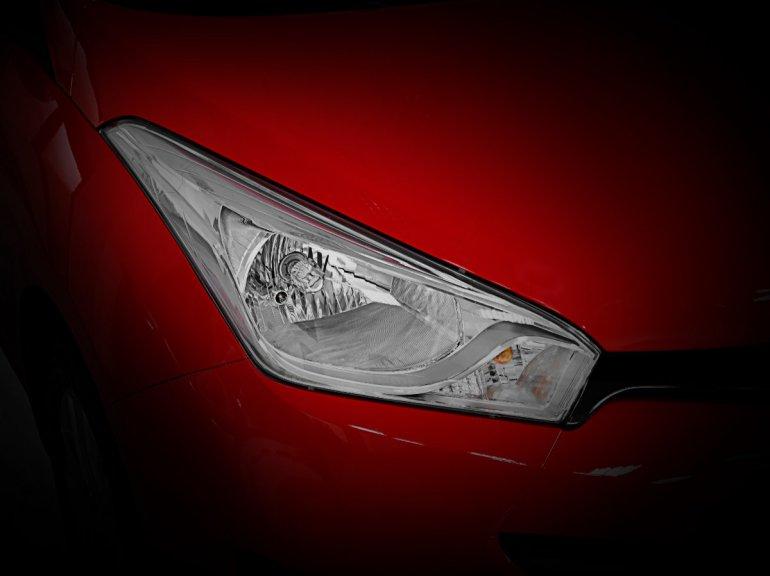 Hyundai HB20 head lamps