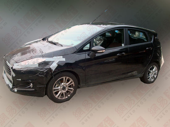 2013 Ford Fiesta facelift side profile