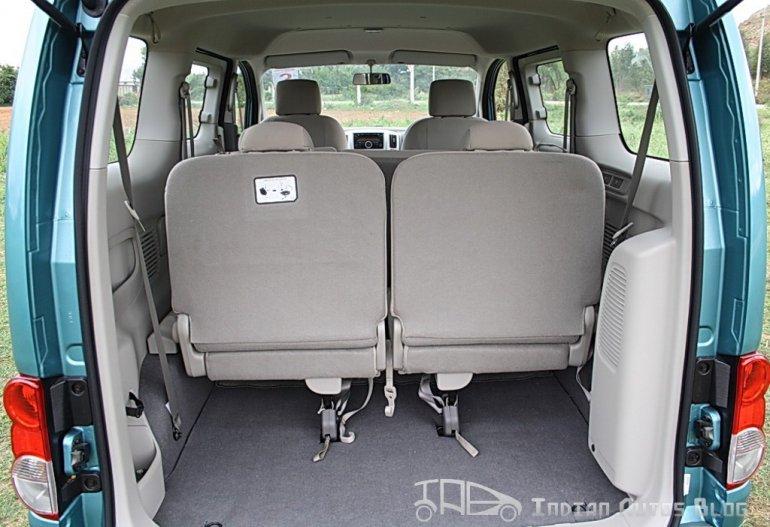 Nissan Evalia bootspace