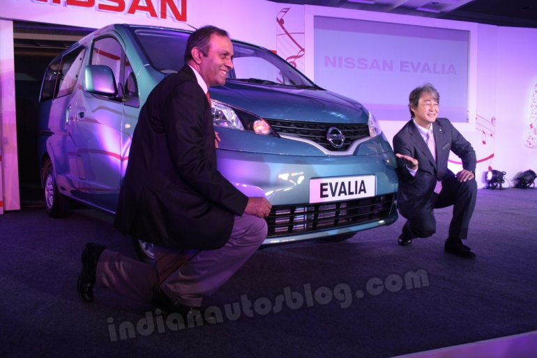 Mr G Sanjay with Mr Ishida at the Nissan Evalia Chennai launch