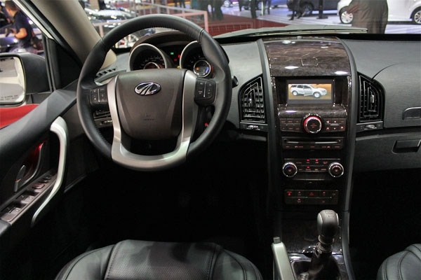 Mahindra XUV500 LHD interior at Sao Paulo 2012