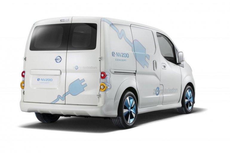 Nissan e-NV200 FedEX rear three quarters