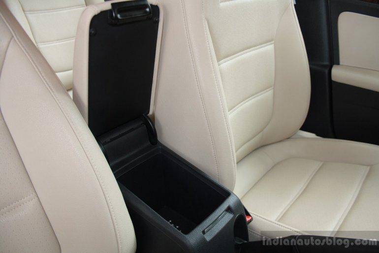 VW JEtta TSI Storage compartment