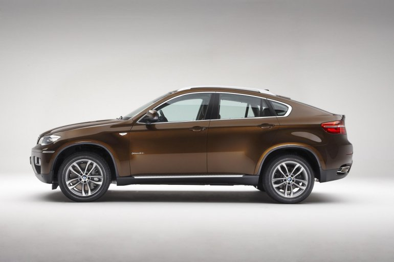 BMW X6 facelift side view