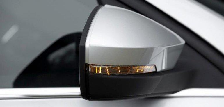 2013 Skoda Octavia front wing mirror teaser