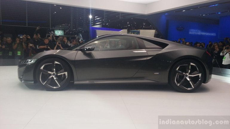 Acura NSX Concept 2013 NAIAS live shots side view