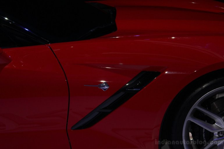 Chevrolet Corvette Stingray unveiling from NAIAS 2013 (24)