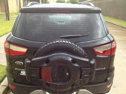 Ford EcoSport with customized spare wheel covers (2)
